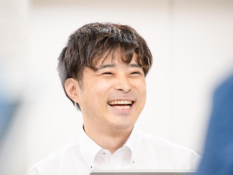 笑顔がまぶしい志村効さん。