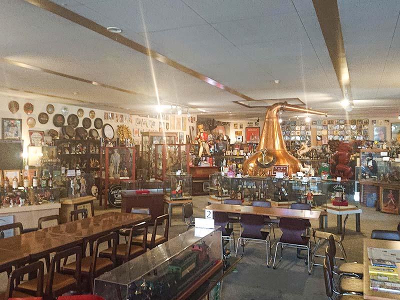 天領日田洋酒博物館の館内。